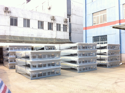Delivery of 100 units hydraulic dock leveler